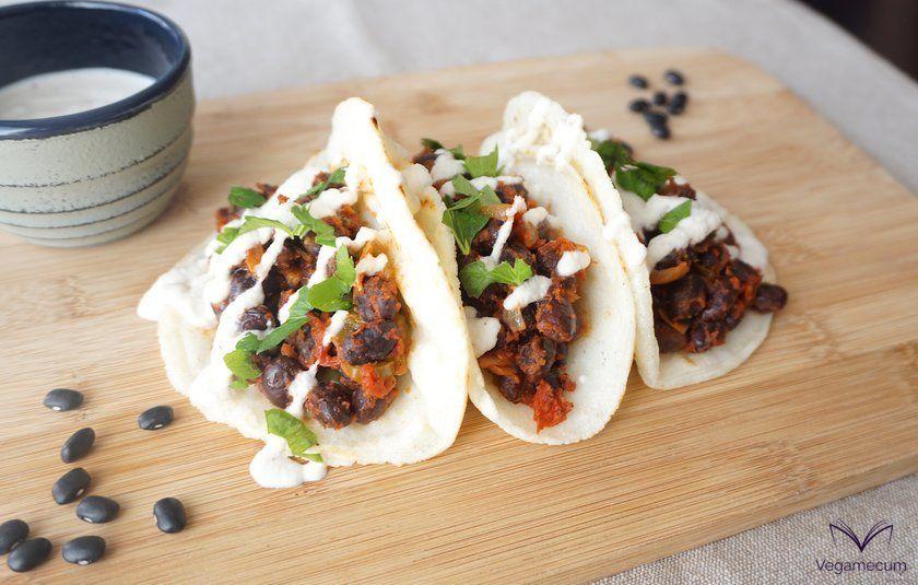 Tacos picantes de alubias negras