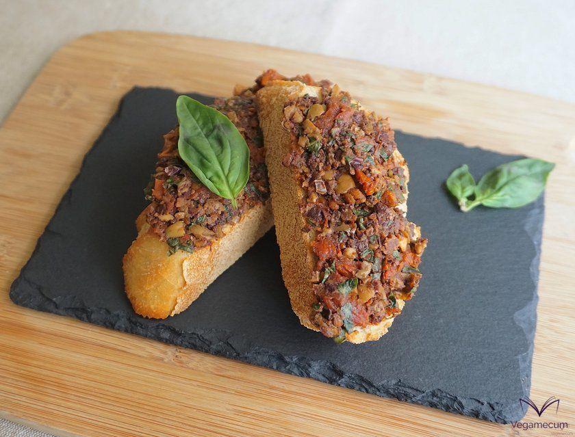Tapenade provenzal de aceitunas y tomate seco terminado