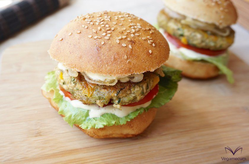 Vegan tofu, zucchini and pepper burger