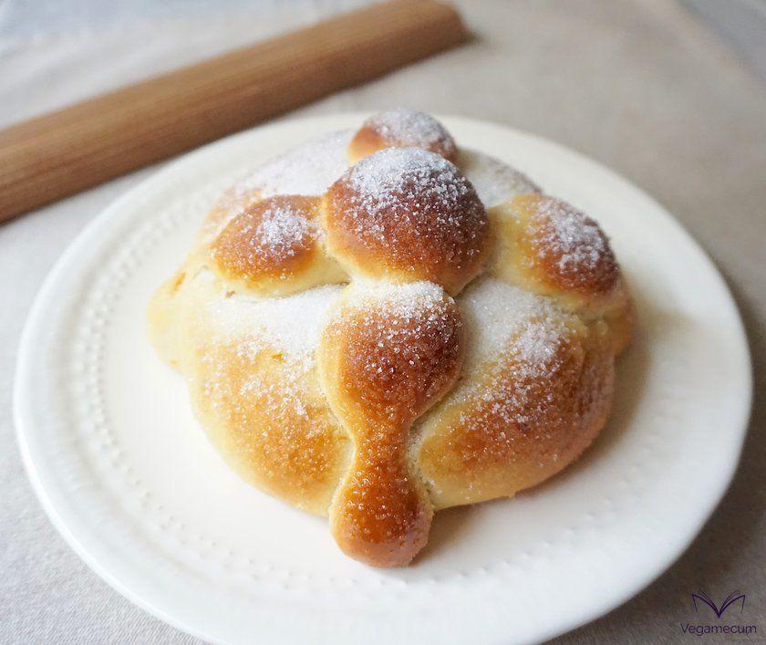 Pan de Muerto recién horneado