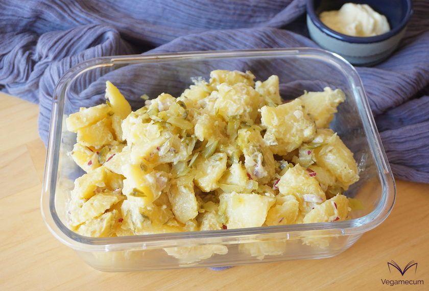 Kartoffelsalat o ensalada de patata vegana